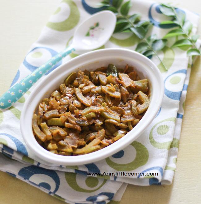 Pudalangai Poriyal / Snake Gourd Stir Fry