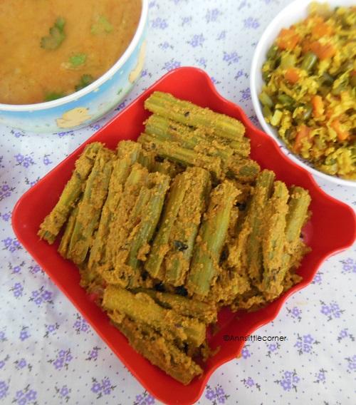 Murungaikai Aviyal / Drumstick in Coconut Gravy
