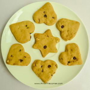 Eggless Choco Chip Cookies