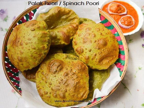 Palak Poori / Deep Fried Spinach Indian Bread