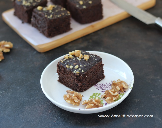 Eggless Wheat Chocolate Walnut Brownie