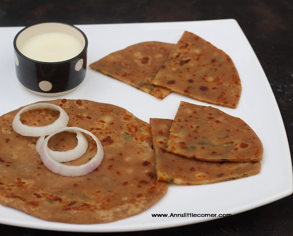 Aloo Paratha / Potato Stuffed Chapati