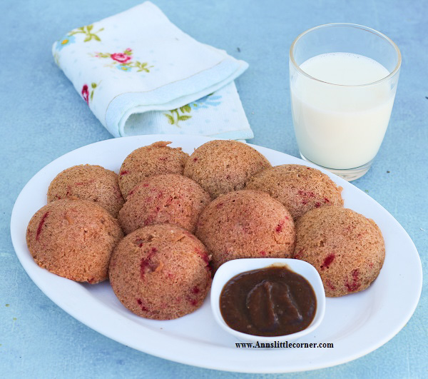 Beetroot Wheat Idli