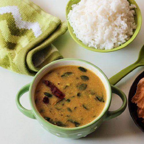 Drumstick Leaves Gravy / Murungai Keerai Kuzhambu