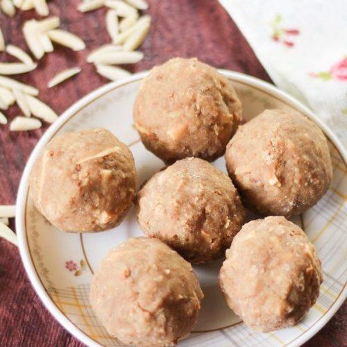 Wheat Flour Ladoo / Gothumai Ladoo / Atta Ladoo