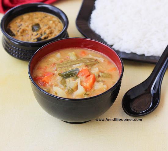 Sodhi kuzhambu / Mix vegetable Gravy